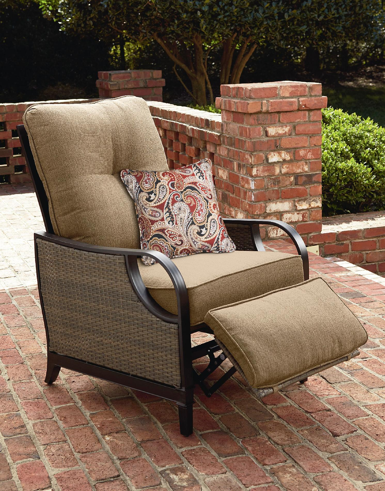 La Z Boy Lazy Outdoor Furniture Charlotte Patio Recliner